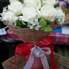 รับจัดช่อดอกกุหลาบสีขาวสวย