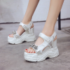 [มี2สี] รองเท้าผ้าใบเสริมส้น งานหนัง pu แบบติดเทป หัวปลา แต่งเพชร สวย เท่ แฟชั่นสไตล์เกาหลี ส้นสูง 5 นิ้ว