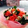 ช่อเฟอเรโร่ดอกไม้สด (Ferrero Rocher) 9 ลูก ดอกกุหลาบ 9 ดอก