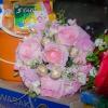 ช่อเฟอเรโร่ (Ferrero Rocher) 9 ลูก ดอกกุหลาบสีชมพูโอรส