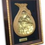 พระมองตาม ศิลปะหินทราย พระสังฆจายน์ พระหันหน้าได้ ทรายสีทอง ขนาด Size 21x27x5 cm. Price ราคา 1,600 บาท.