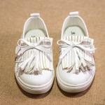 Pre-order รองเท้า / แพ็คละ 4 คู่ /Size31-34 / สีขาว