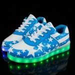 รองเท้ามีไฟ รองเท้า LED สีขาวฟ้า มีลายรูปดาว เปลี่ยนสีได้ 11 สี สินค้าพรีออเดอร์