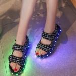 รองเท้ามีไฟ รองเท้า LED รองเท้าแตะมีไฟ สีลายดำขาว สินค้าพรีออเดอร์