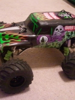 Grave Digger: 1/10 Scale Monster Jam Replica Monster Truck #3602A