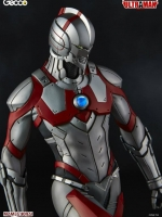 Gecco Ultraman Statue