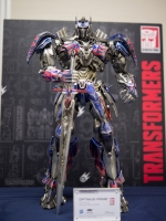 COMICAVE CFTF22AEOPN 1/22 Optimus Prime