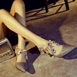 [มี2สี] รองเท้าคัทชูหัวแหลม ใส่ออกงาน แฟชั่นนหนัง pu แต่งกลิตเตอร์ ข้อประดับด้วยสร้อยเพชรสวยหรู ส้นสูง 2.5 นิ้ว