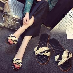 รองเท้าแตะหัวปลา ส้นแบน หนัง pu ประดับมุกสวยหรู พื้นนิ่ม ใส่สบาย แฟชั่นสไตล์โรมัน