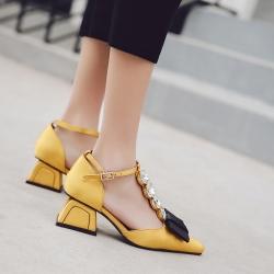 [มีหลายสี] รองเท้าคัทชูหัวแหลม แฟชั่นหนัง pu + ผ้าซาติน แต่งโบว์ เพชรด้านหน้า แต่งหัวเข็มขัดรัดข้อ ส้นสูง 2 นิ้ว