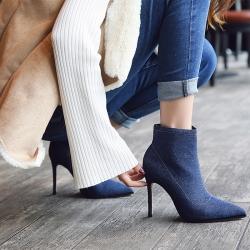 [มีหลายสี] รองเท้าบูทสั้นผู้หญิงส้นสูง ผ้ายีนส์+หนังไมโครไฟเบอร์ ขนบุด้านใน ซิปด้านใน ทรงสวยใส่ง่าย สไตล์ยุโรป ส้นสูง 4 นิ้ว
