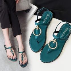 [มี2สี] รองเท้าแตะคีบส้นแบน ฤดูร้อน แฟชั่นหนัง pu แต่งอะไหล่สีทอง มีสายคาดหน้า แต่งหัวเข็มขัดรัดข้อ สวยสไตล์เกาหลี