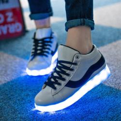 [มี2สี] รองเท้า LED สีขาว คาดแดง-ดำ แฟชั่นหนังpu ปรับเปลี่ยนไฟได้ 7 สี 8 แบบ เปิด-ปิดสวิตช์ได้ พร้อมสายชาร์จ usb