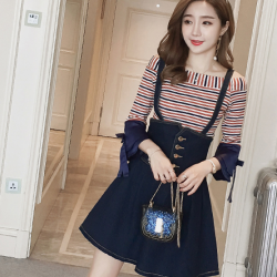 set เสื้อยืดลายขวาง ทรงแขนบาน + เอี๊ยมกระโปรยีนส์สั้น พองๆ กระดุมหน้า ซิปด้านหลัง ใส่แล้วดูน่ารักใสๆ สไตล์เกาหลีค่ะ