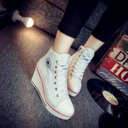 [มีหลายสี] รองเท้าผ้าใบส้นสูง หุ้มข้อ ผูกเชือกด้านหน้า ทรงสวย น้ำหนักเบา เสริมส้นสูงด้านในสไตล์เกาหลี