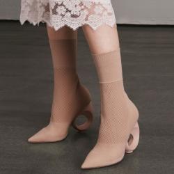 [มี2สี] รองเท้าบูทสั้น หัวแหลม ส้นสูง วัสดุหนังแท้ บูทเป็นผ้าไหมพรม หนานุ่ม ทรงสวย แฟชั่นสไตล์อังกฤษ ส้นสูง 3.5 นิ้ว / บูทยาว 8.5 นิ้ว