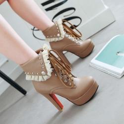 [มีหลายสี] รองเท้าบูทสั้นส้นสูงผู้หญิงมาร์ตินผูกเชือก ปักหมุด พับด้านบน ทรงสวย แฟชั่นสไตล์อังกฤษ แพลตฟอร์มสูง 1.5 นิ้ว ส้นสูง 4.5 นิ้ว