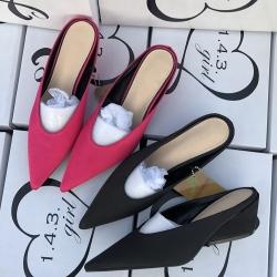 [มี2สี] รองเท้าคัทชูหัวแหลม ทรงสวม ส้นเตี้ย แฟชั่นหนังpu นิ่ม + ผ้าซาติน สวย เก๋ ส้นสูง 2 นิ้ว