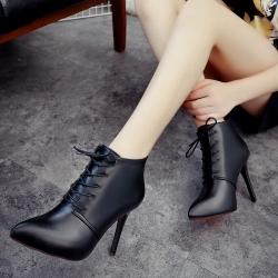 รองเท้าบูทสั้นผู้หญิงมาร์ติน หุ้มข้อ ส้นสูง 4 นิ้ว หัวแหลม แฟชั่นหนัง pu ผูกเชือก ทรสวย แฟชั่นสไตล์ยุโรป