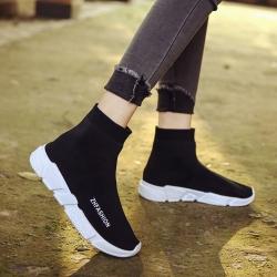 [มี2สี] รองเท้าผ้าใบหุ้มข้อ แฟชั่นผ้ายืด ทรงสวย พื้นหนาเล็กน้อย