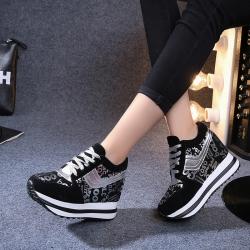 [มี2สี] รองเท้าผ้าใบเสริมส้น หนังไมโครไฟเบอร์นำเข้า ส้นสูง 3 นิ้ว ทรงสวยสไตล์เกาหลี