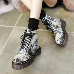 [มีหลายสี] รองเท้าบูทสั้น ผู้หญิงมาร์ติน หนังแท้ พื้นหนา เสริมส้นเล็กน้อย แฟชั่นสไตล์อังกฤษ (มีแบบกำมะหยี่ด้านใน และแบบธรรมดา ราคาเดียว)