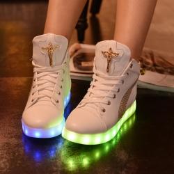 รองเท้า LED มีไฟเรืองแสง แฟชั่นหนัง pu สีขาว หุ้มข้อ ทรงHip Hop แต่งโลหะ ร้อยเชือก ปรับเปลี่ยนแสงไฟได้ 7 สี 8 แบบ เปิด-ปิดสวิชต์ได้ พร้อมสายชาร์จ USB