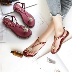 [มีหลายสี] รองเท้าแตะคีบ ส้นแบน เปิดส้น วัสดุหนังไมโครไฟเบอร์ ประดับเพชร มุก แต่งหัวเข็มขัดรัดข้อ สวย สไตล์โบฮีเมียน