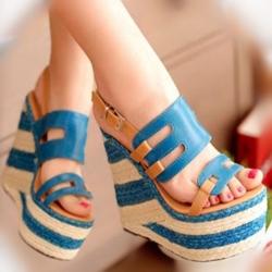 [มีหลายสี] รองเท้าผู้หญิง ส้นตึก หัวปลา แฟชั่นหนังpu ทรงน่ารัก สไตล์เกาหลี มีสายรัดข้อ แพลตฟอร์มสูง 3 นิ้ว / ส้นสูง 5.5 นิ้ว