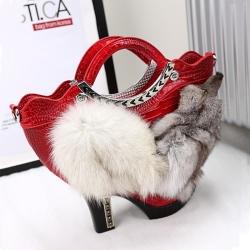 [มี2สี] กระเป๋าถือ+สะพาย กระเป๋าออกงาน ทรงรองเท้า ทำจากหนังคุณภาพสูง แต่ขนเฟอร์รูปสุนัขจิ้งจอกสุดเก๋ สวย แฟชั่นสไตล์ยุโรป