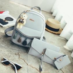 [มีหลายสี] เซต 5 ชิ้น!! กระเป๋าเป้สะพายหลังผู้หญิง แฟชั่นหนังpu แต่งพู่ แถมฟรีพวงกุญแจหมีน่ารัก+กระเป๋าใบเล็ก 3 ใบ (รวม5ชิ้น)