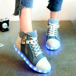 [มี2สี] รองเท้า LED มีไฟเรืองแสง แฟชั่นหนังpu แต่งหมุด ซิปด้านข้าง แต่งเข็มขัด แฟชั่นเกาหลี
