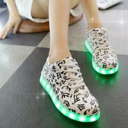 รองเท้า LED มีไฟเรืองแสง แฟชั่นหนัง PU แบบหุ้มส้น ร้อยเชือก ปรับเปลี่ยนไฟได้ 7 สี 8 แบบ พร้อมสายชาร์จ USB (เปิด-ปิดสวิชต์ได้)