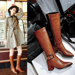 [มี2สี] รองเท้าบูทผู้หญิงส้นสูง หนังpu หัวแหลม แต่งหัวเข็มขัด ซิปด้านใน สวย สไตล์อังกฤษ ส้นสูง 2 นิ้ว (ไซส์ 33-43)