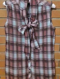 S109 ผ้าชีฟองลายสก๊อต คอเสื้อผูกโบว์ สวยๆค่ะ (มือ2 สภาพดี)