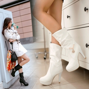 [มีหลายสี] รองเท้าบูทสั้นส้นสูง ผู้หญิงมาร์ติน แฟชั่นหนังหนัง PU แต่งเพชร ส้นสูง 3.5 นิ้ว / บูทยาว 7.5 นิ้ว