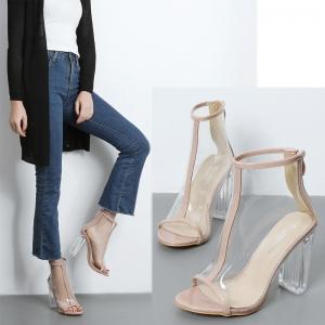 [มี2สี] รองเท้าส้นสูง บูทผู้หญิงหัวปลา หนังไมโครไฟเบอร์+พลาสติกใส PVC สไตล์ยุโรป ซิปด้านหลัง ส้นสูง 4.5 นิ้ว