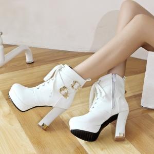 [มีหลายสี] รองเท้าบูทสั้นผู้หญิงมาณ์ติน ส้นสูง แฟชั่นหนังpu แต่งหัวเข็มขัด ร้อยเชือก ซิปด้านใน สวย สไตล์อังกฤษ แพลตฟอร์มสูง 1 นิ้ว ส้นสูง 4 นิ้ว
