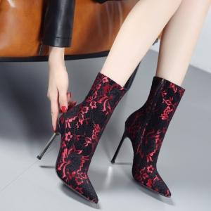 [มี2สี] รองเท้าบูทสั้นผู้หญิง หัวแหลมส้นสูง ทรงมาร์ติน ลายผ้าลูกไม้ ตาข่าย ซิปด้านใน สวยสไตล์ยุโรป