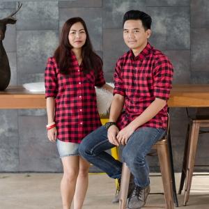 เสื้อคู่ลายสก๊อตสีแดง