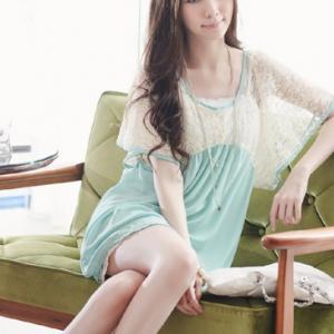 *SALE ลดราคาต่ำกว่าทุน* K997 พร้อมส่งค่ะ เสื้อสีเขียว คอยู ช่วงบนแต่งผ้าลูกสีขาว