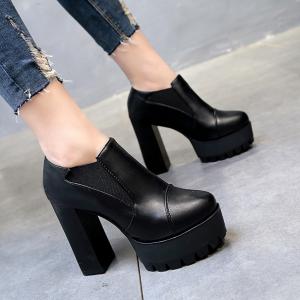 รองเท้าบูทสั้นผู้หญิงส้นสุง หนัง pu สีดำ แฟชั่นสไตล์อังกฤษทรงย้อนยุค ส้นสูง 4.5 นิ้ว