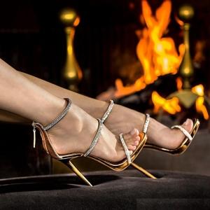 [มีหลายสี] รองเท้าส้นสูงใส่ออกงาน หนังคาดหน้าประดับเพชรสวยหรู ซิปด้านหลัง ส้นสูง 4 นิ้ว