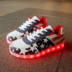 รองเท้า LED มีไฟเรืองแสง แฟชั่นหนังpu ลายดาว ปรับเปลี่ยนไฟได้ 7 สี 8 แบบ เปิด-ปิดสวิตช์ได้ พร้อมสายชาร์จ usb