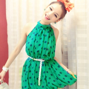 หมดค่ะ เดรสสั้นหรือเสื้อตัวยาว สีเขียวจุดน้ำเงิน น่ารักจ้า