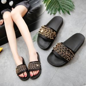 [มีหลายสี] รองเท้าแตะพื้นหนา แบบสวม แฟชั่นหนัง pu แต่งโซ่เก๋ๆ สวย ดูแพง