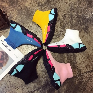 [มีหลายสี] รองเท้าผ้าใบหุ้มข้อ หนัง pu+ผ้ายืด หลากสีสดใส พื้นหนา ทรงสวยสไตล์เกาหลี