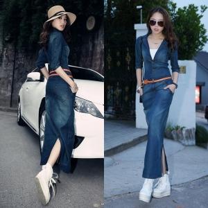 เดรสยาวเกาหลีผ้ายีนส์ สียีนส์เข้ม คอวีลึก กระดุมหน้า กระโปรงผ่าหลัง (แถมฟรี เสื้อสีขาวด้านใน+เข็มขัดสีส้ม)