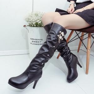 รองเท้าบูทยาวผู้หญิงส้นสูง แฟชั่นหนังpu สีดำย่น ด้านข้างแต่งอะไหล่มุก สวย สไตล์เกาหลี ส้นสูง 3.5 นิ้ว