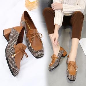 [มี2สี] รองเท้าคัทชูหุ้มส้น ส้นเตี้ย ผูกเชือกด้านหน้า สวย แฟชั่นสไตล์อังกฤษทรงย้อนยุค ส้นสูง 2 นิ้ว